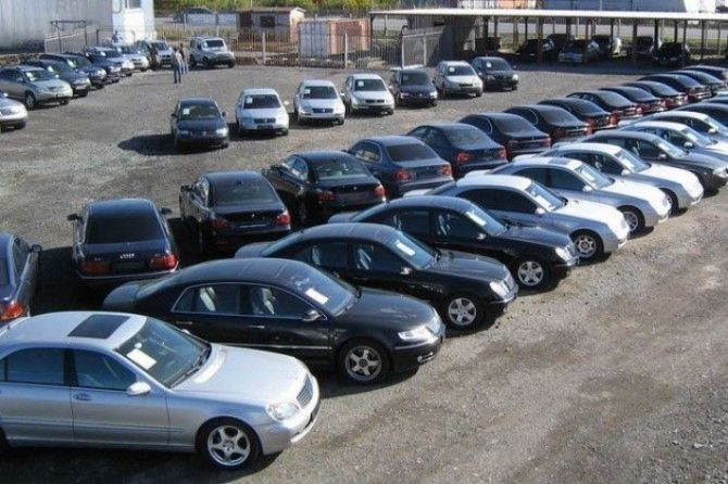 В России упали в цене автомобили с пробегом