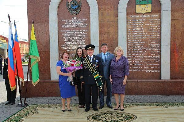 В Прокопьевске на одного почетного гражданина стало больше