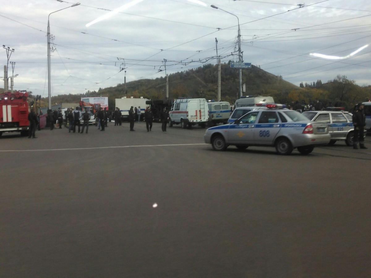 В Прокопьевске перевернулся автозак (фото)