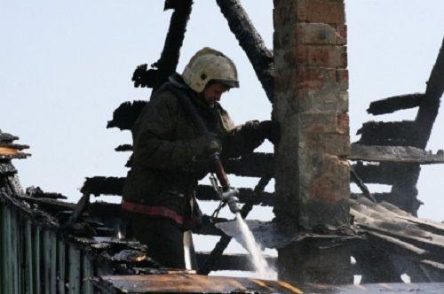 В Кузбассе несколько домов, бань и гаражей сгорели по одной причине