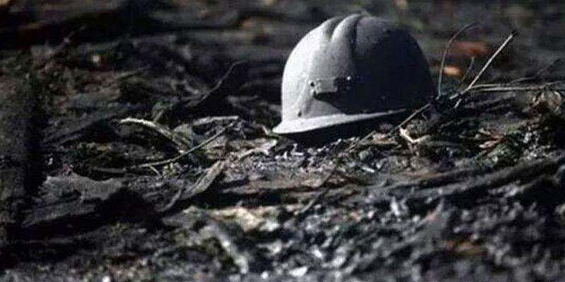ЧП на шахте Кузбасса: один горняк погиб, еще один - травмирован