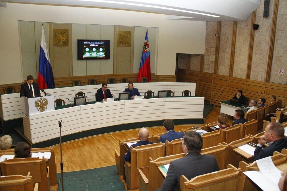 В Кузбассе объединяют ВУЗы: КемТИПП присоединяют к КемГУ