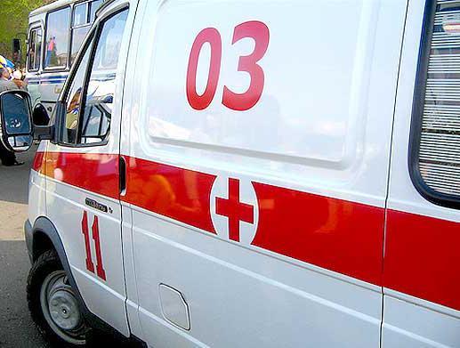 Кузбассовец упал из окна 3 этажа, пытаясь поменять лампочку в уличном фонаре