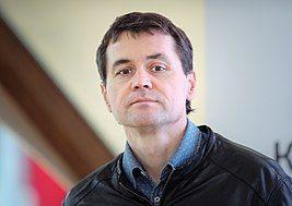 «Коммерсант». Писатель. Журналист:  в библиотеке Прокопьевска состоится встреча с известным московским писателем
