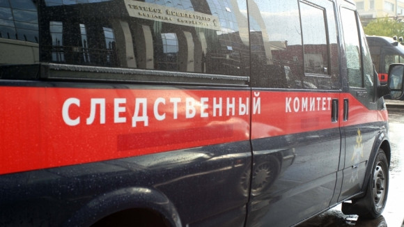 В торговом центре Кузбасса на ребенка упала металлическая дверь