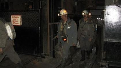 СМИ: В Кузбассе более 2 тысяч шахтеров отправлены в отпуск из-за приостановки  добычи угля