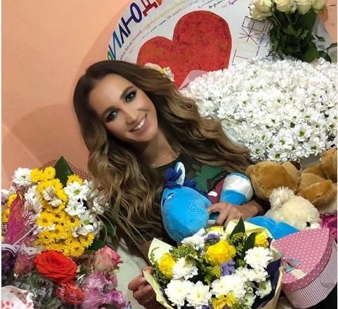 Перед концертом в Новокузнецке Ольга Бузова попала в аварию