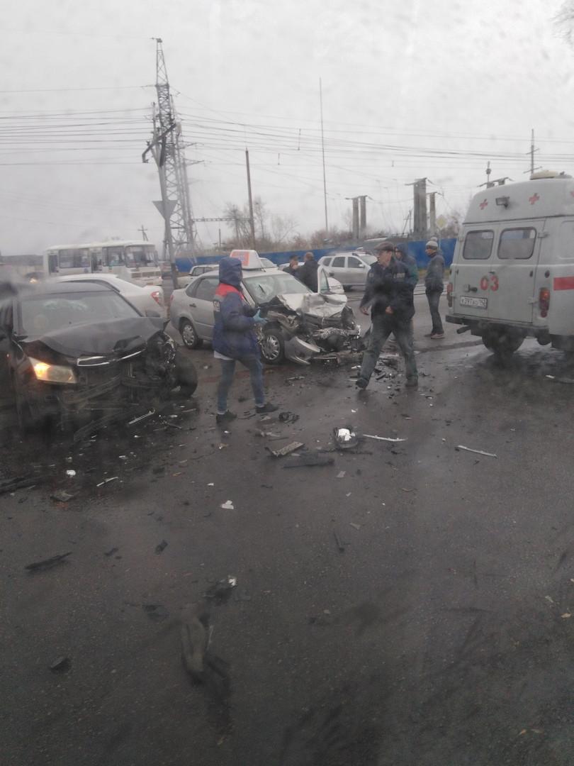 Соцсети: жесткое ДТП произошло в Прокопьевске с участием такси