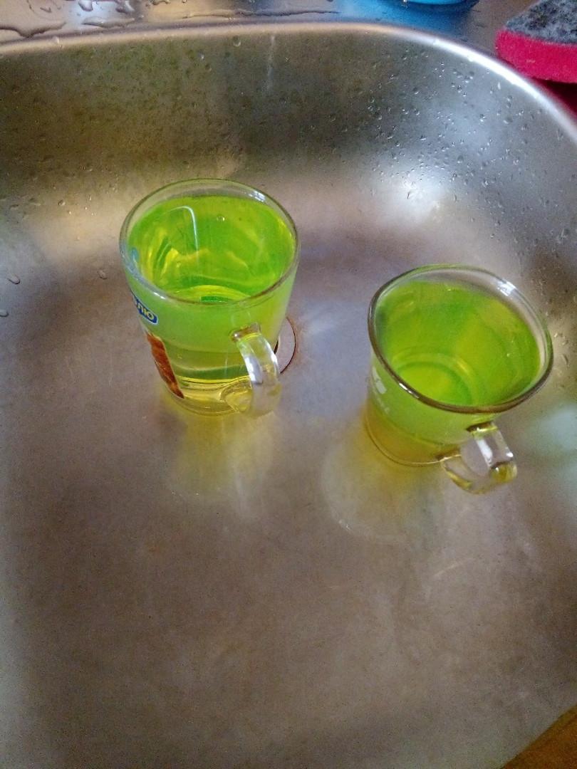 Зеленая вода из крана с горячей водой напугала прокопчан