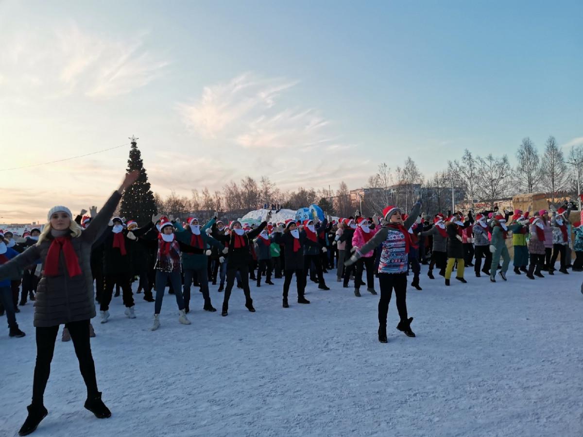 В Прокопьевске зажигали Деды Морозы (видео)