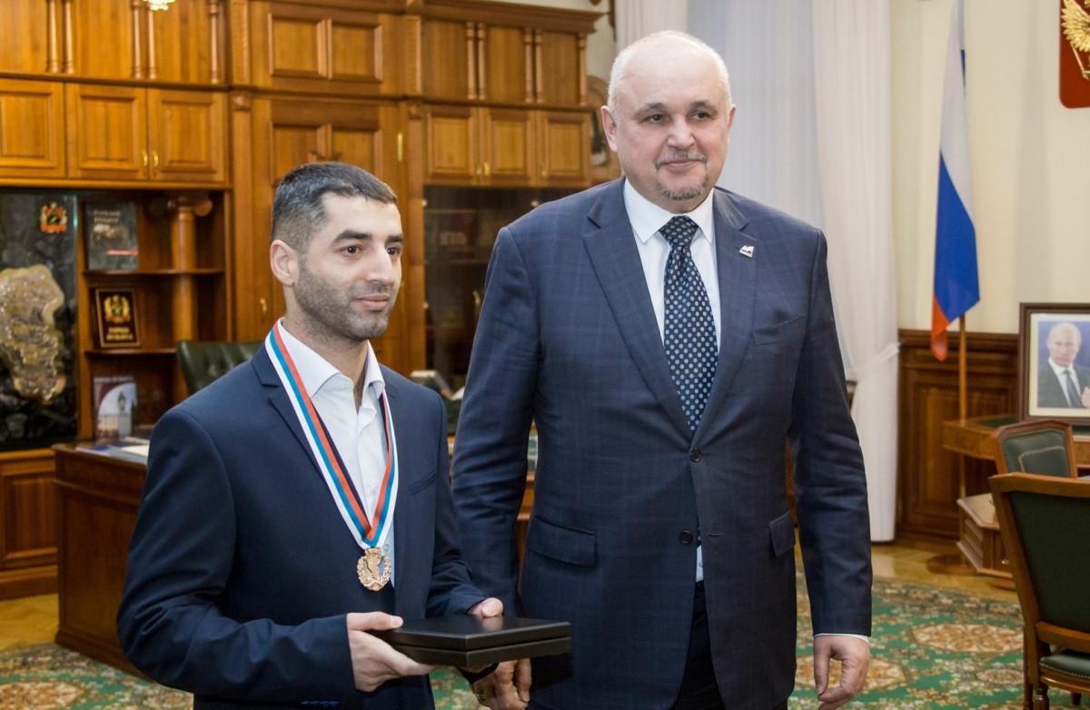 Кузбасский боксер завоевал золотой титул Всемирной боксерской ассоциации