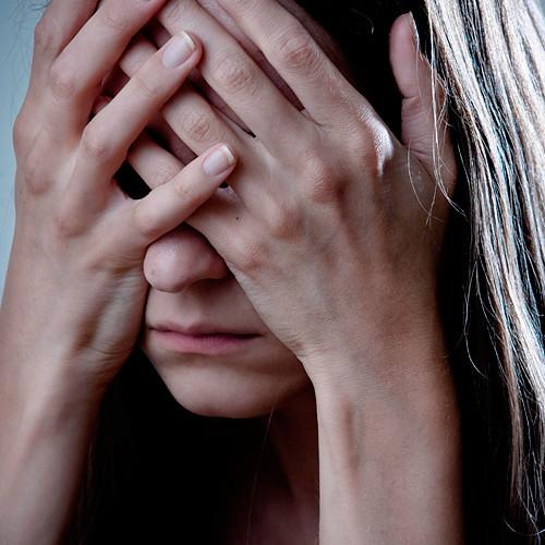 Кузбассовец пойдет под суд за истязания дочери сожительницы