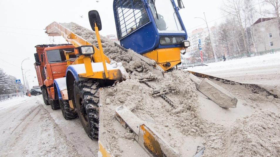 Более 860 тысяч кубометров снега вывезено в Кузбассе с начала зимы