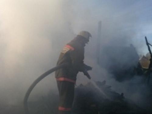 В частном секторе Прокопьевска произошел серьезный пожар