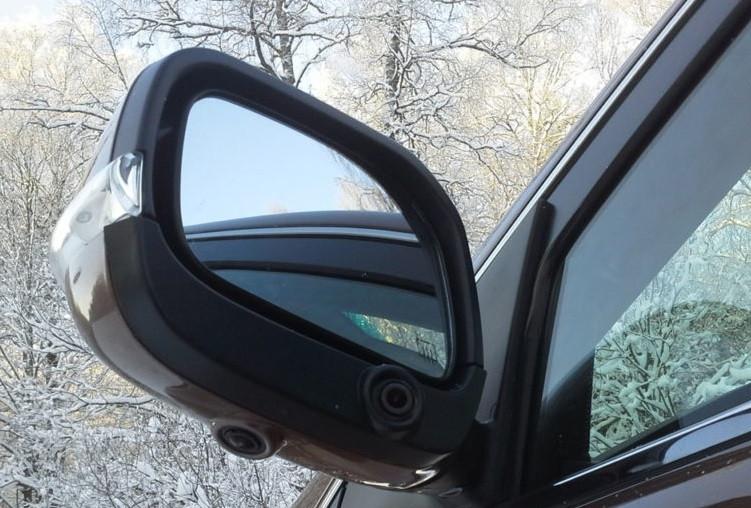 В Кузбассе братья-близнецы решили заработать на зеркалах с чужих авто и попали под суд