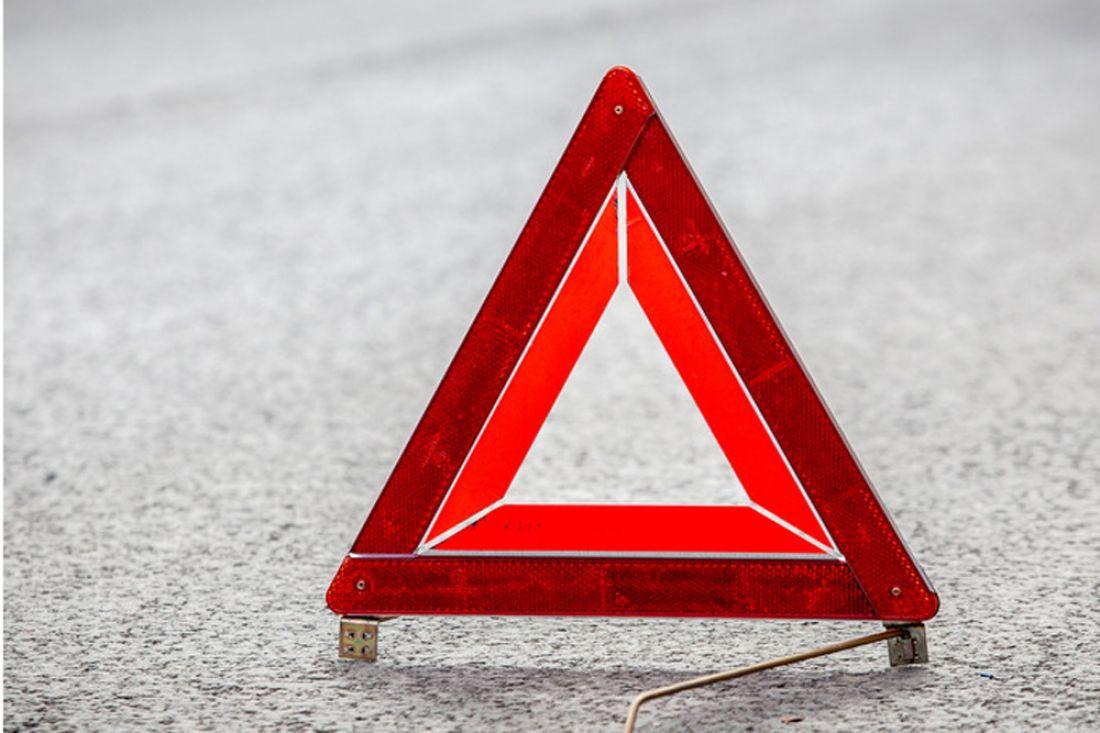 На трассе Кузбасса в ДТП попал автомобиль, перевозивший детскую спортивную команду