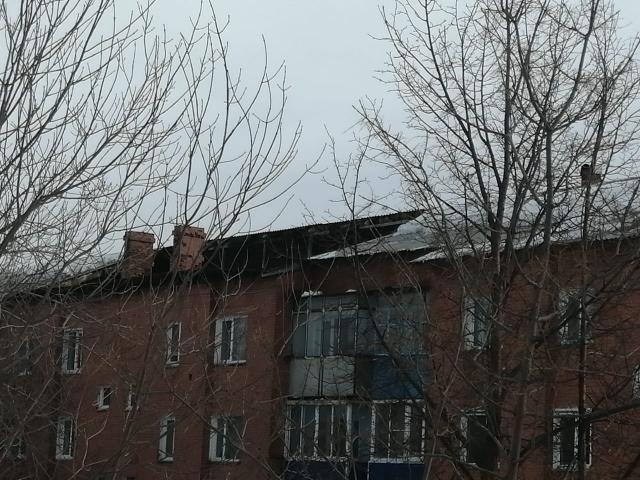 В жилом доме Прокопьевска частично обрушилась кровля: комментарий жилищников