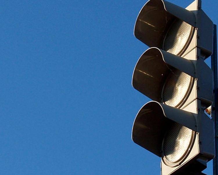 Внимание водителей! На проспекте Строителей временно отключат светофор