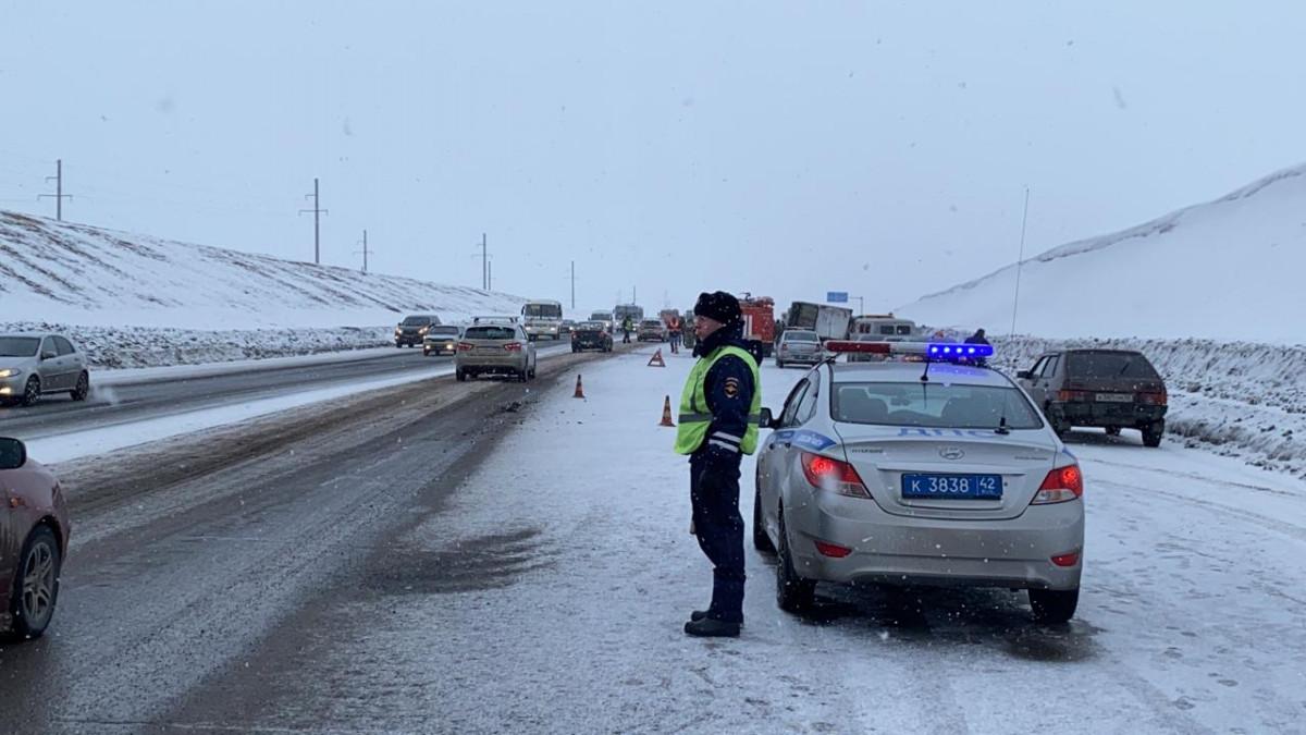 Пять человек погибли при столкновлении автомобилей на трассе Кузбасса