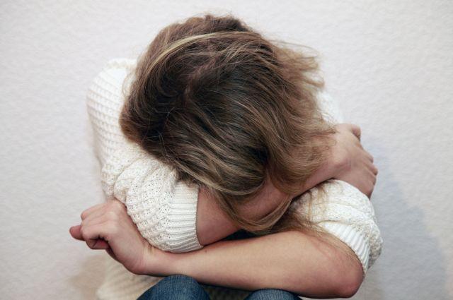 В Прокопьевске 15-летнюю девушку обвиняют в вымогательстве