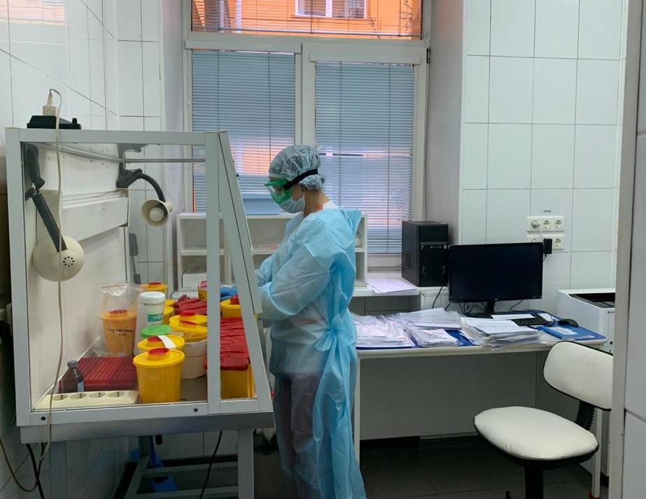 В Кузбассе начала работу третья лаборатория по раннему выявлению коронавируса