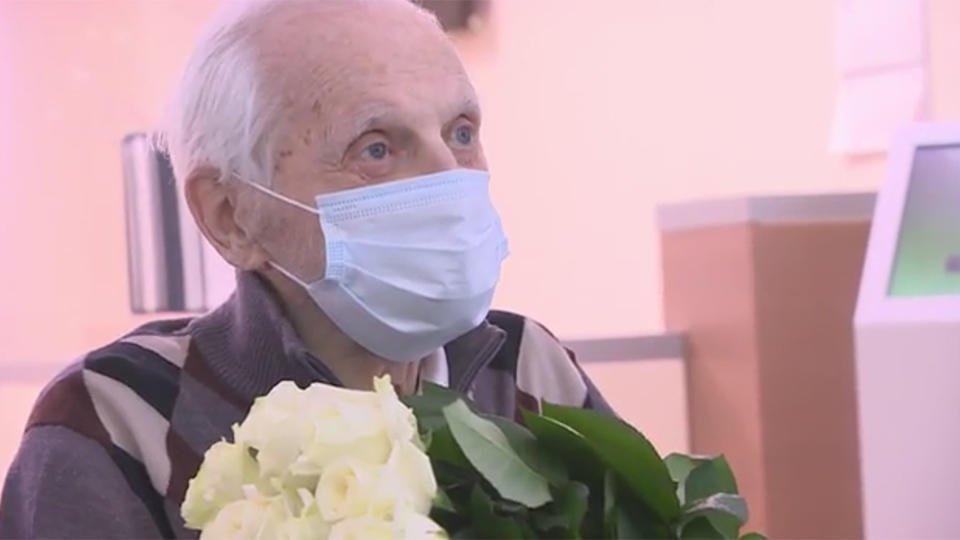 Врачам удалось вылечить от коронавируса 100-летнего ветерана