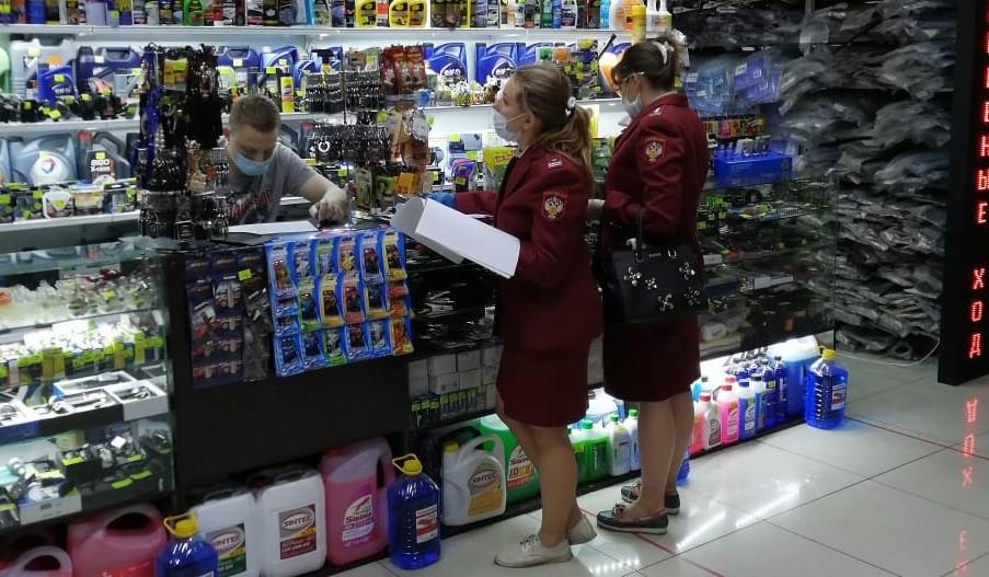 В Прокопьевске за соблюдением масочного режима следят правоохранители