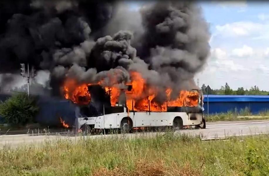 В Кузбассе сгорел рейсовый автобус