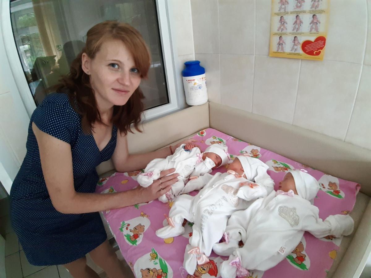 В Кузбассе родилась шестая с начала года тройня