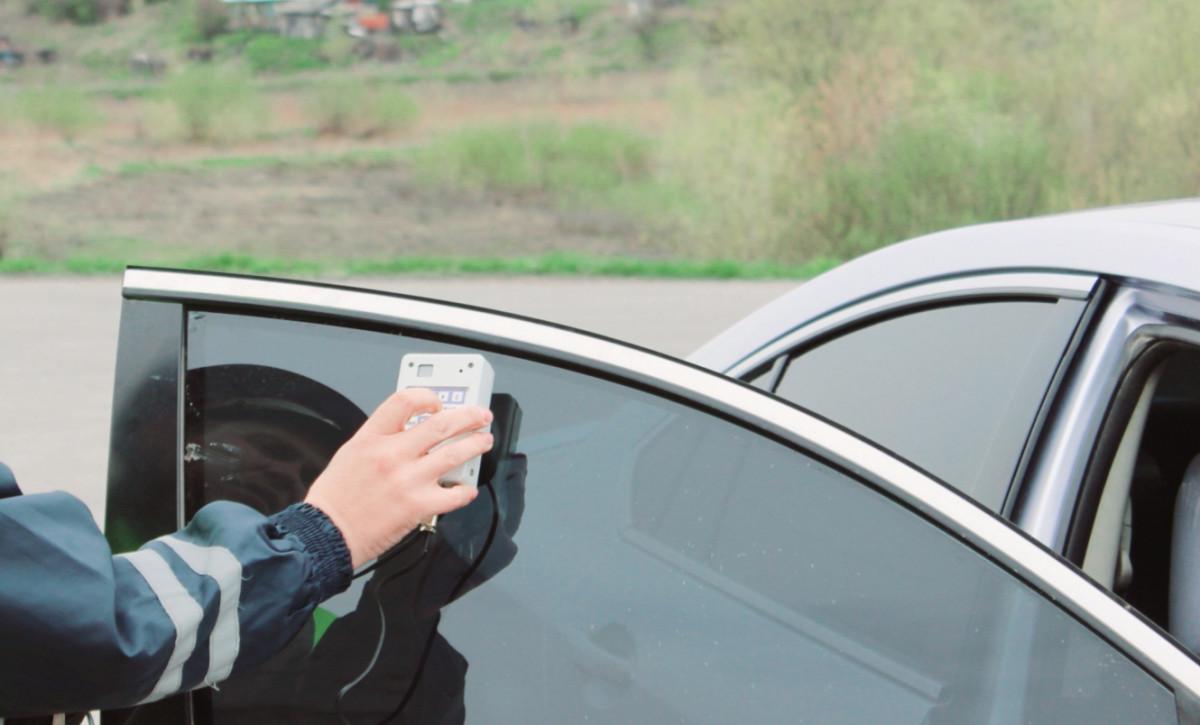 В Кузбассе водителей накажут за недопустимую тонировку авто