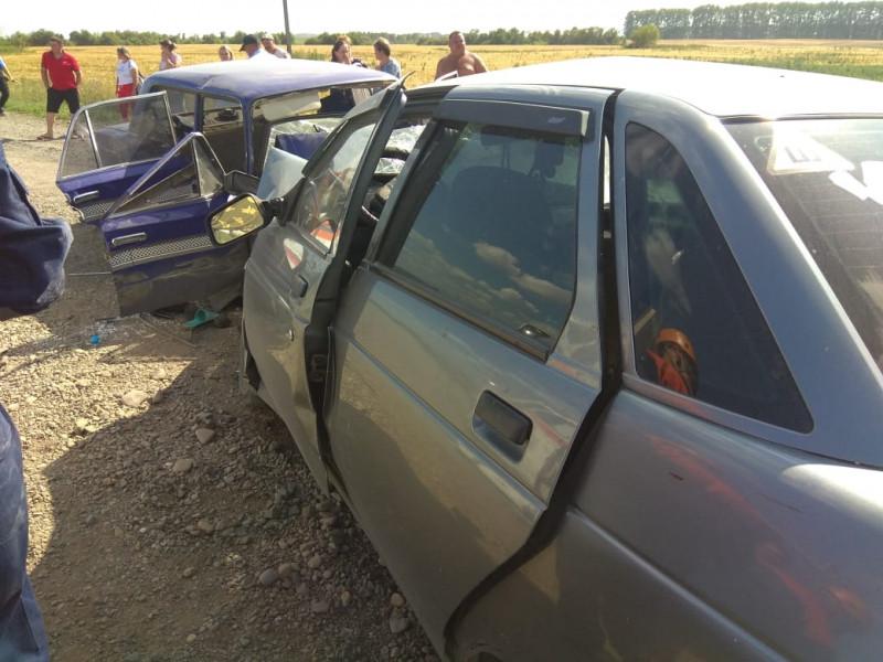 В ДТП на трассе Кузбасса 1 человек погиб, еще 5 пострадали