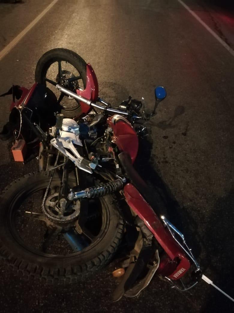В Кузбассе на перекрестке столкнулись Камаз и мотоцикл
