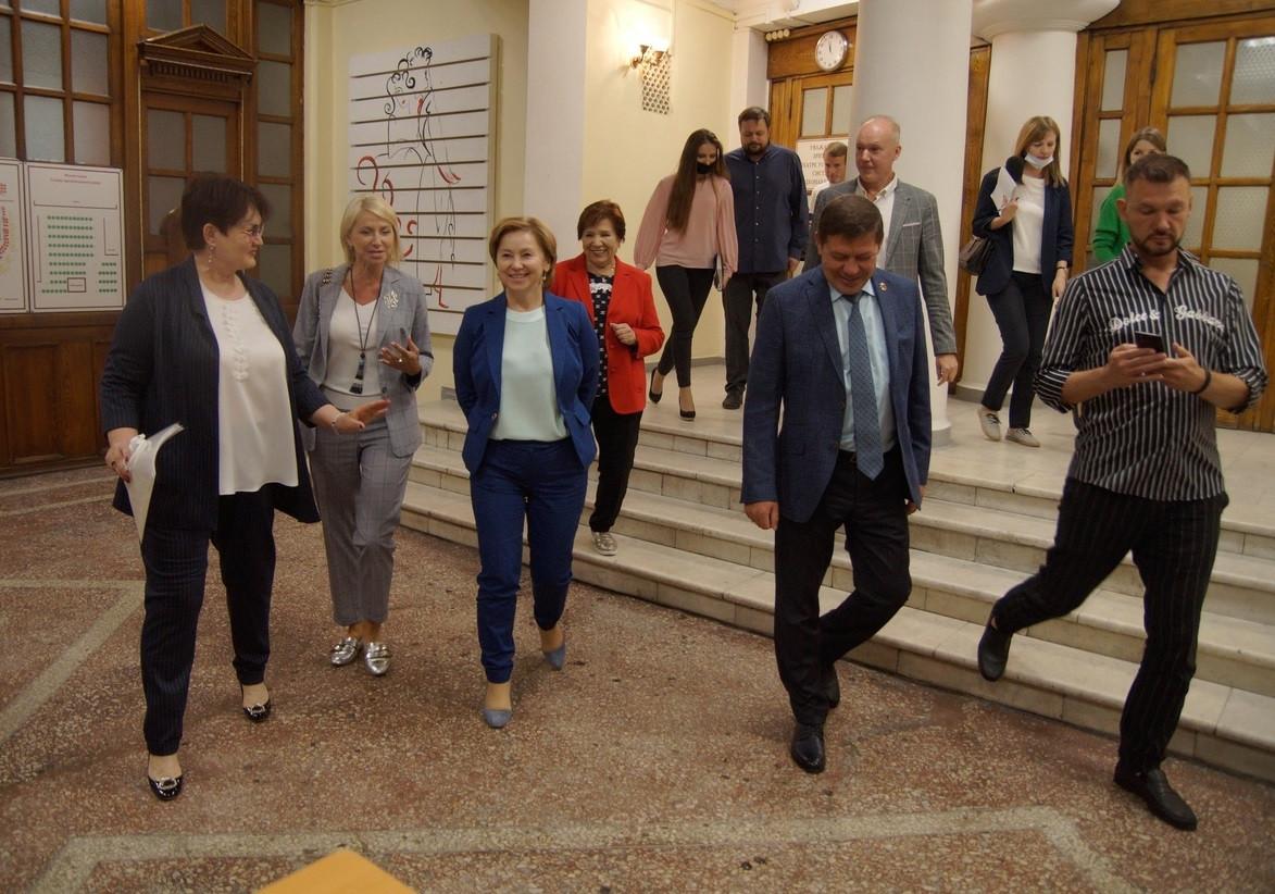Драмтеатр Прокопьевска посетили важные гости