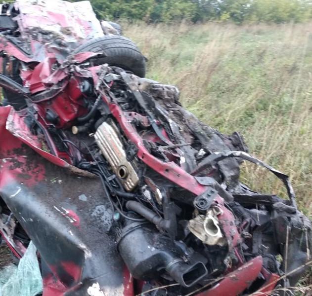 """На трассе """"Прокопьевск - Терентьевское"""" водитель не справился с управлением: три человека погибли, один - пострадал"""