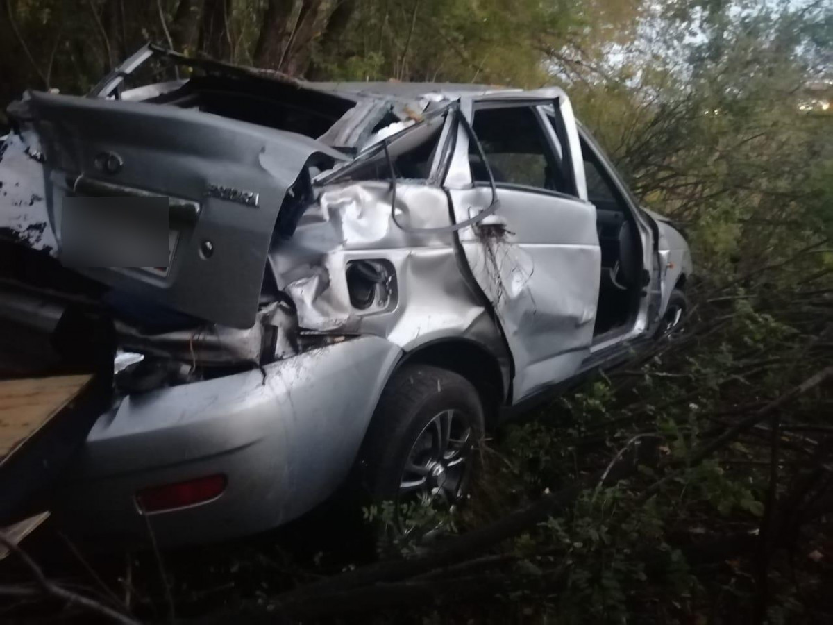 Кузбассовец не справился с управлением авто - пострадали двое