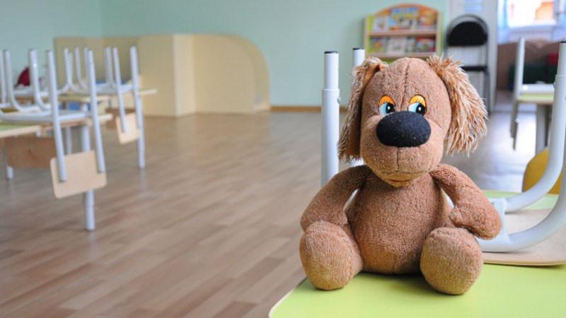 В Кузбассе 3-летняя девочка сбежала из детского сада