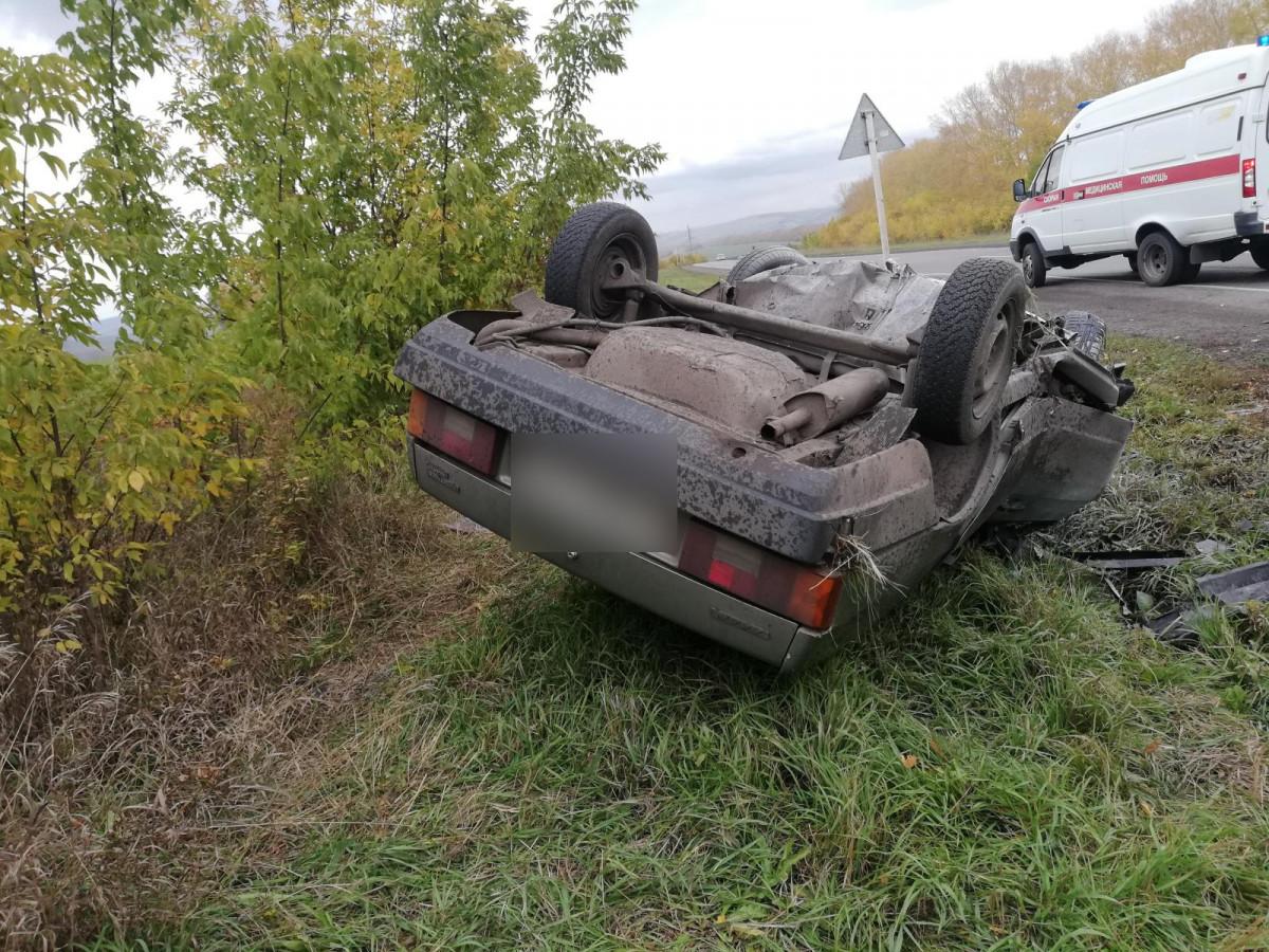 1 человек погиб, 2 - травмированы: смертельное ДТП произошло на трассе Кузбасса