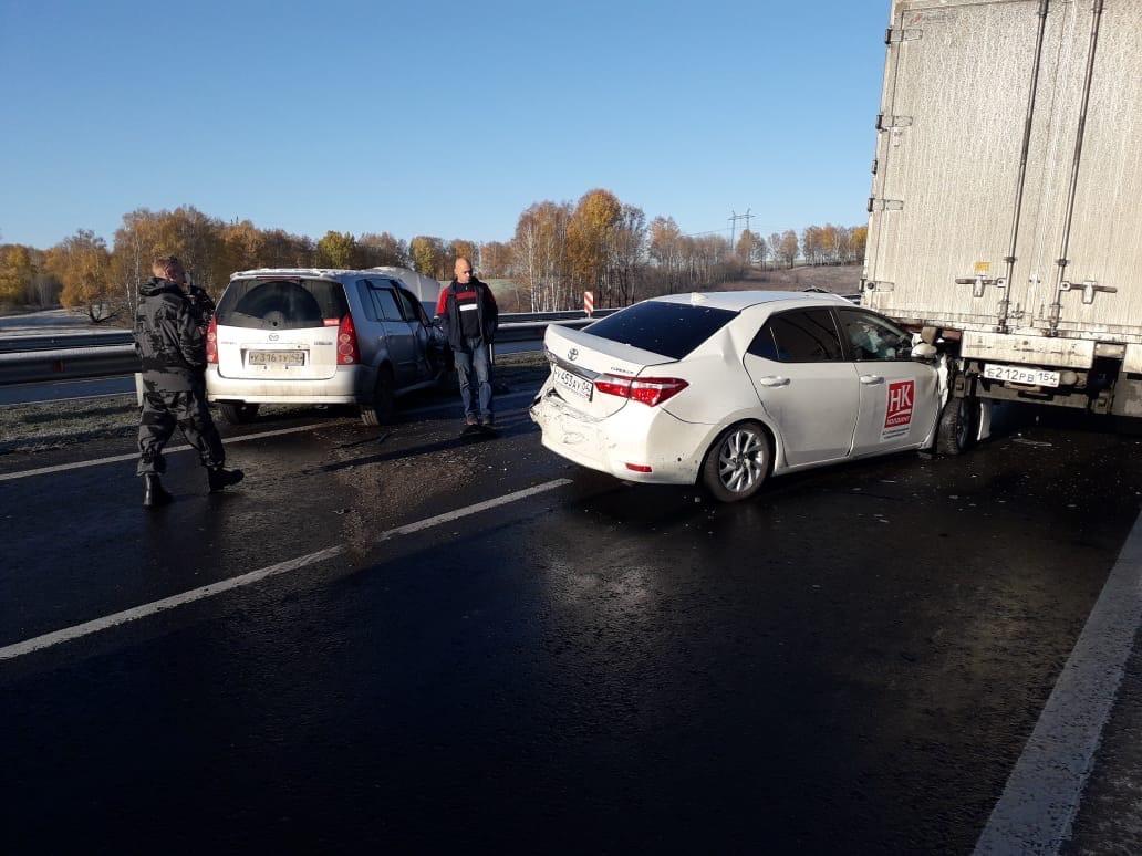 В Прокопьевском районе легковушка влетела под грузовик