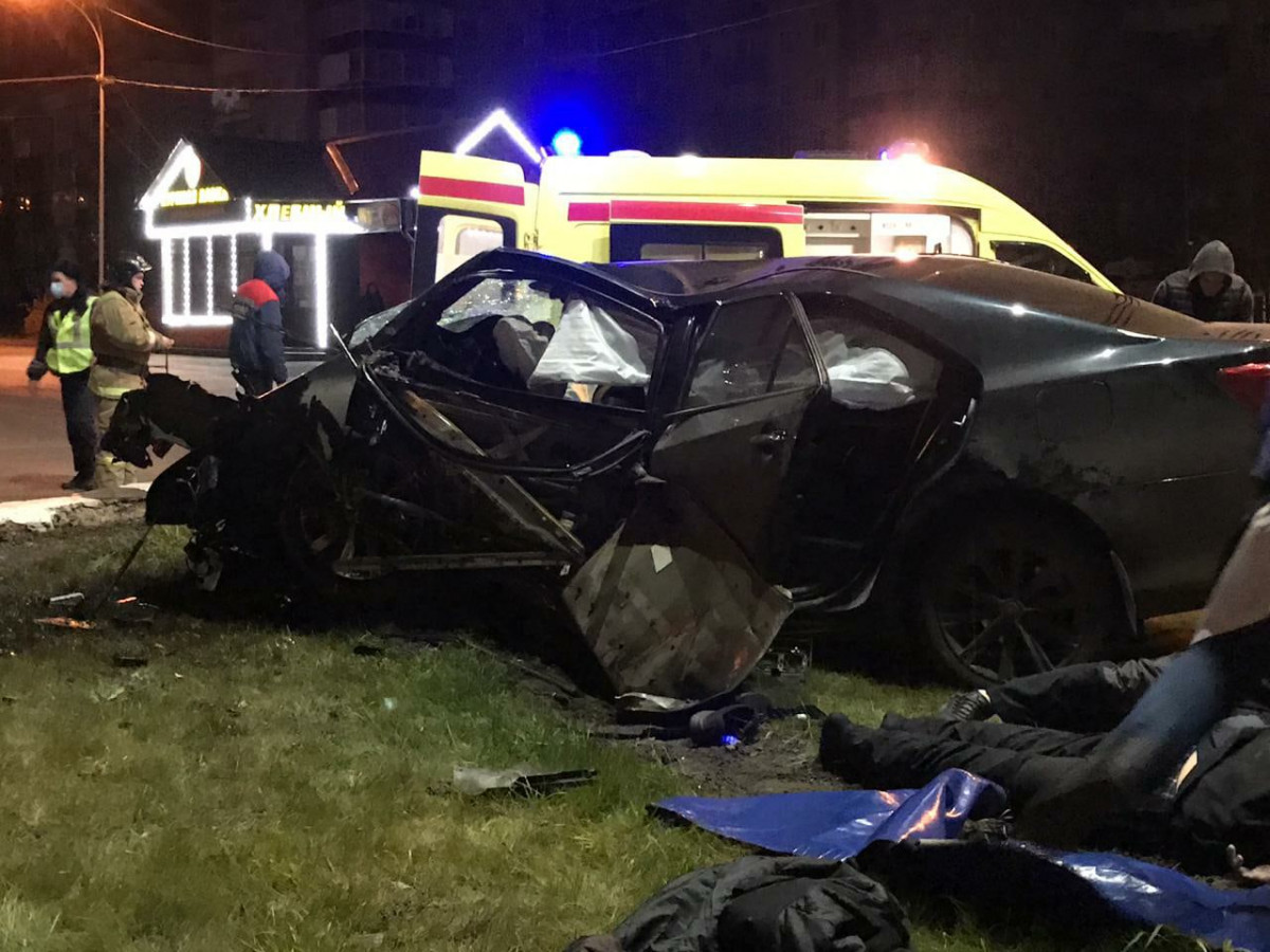 В Прокопьевске в ДТП два человека погибли, один - пострадал
