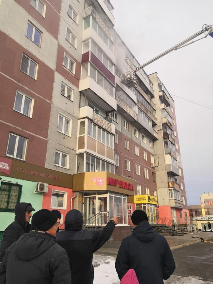 Еще один пожар в Прокопьевске: горит квартира в жилой многоэтажке