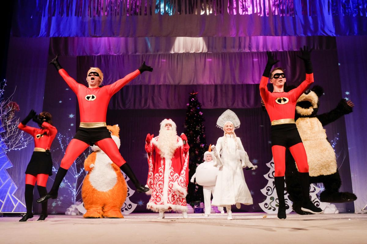 В драмтеатре Прокопьевска начались новогодние представления