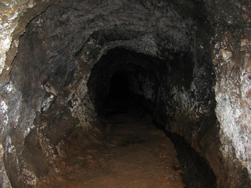 В Кузбассе из шахты экстренно эвакуированы 188 горняков