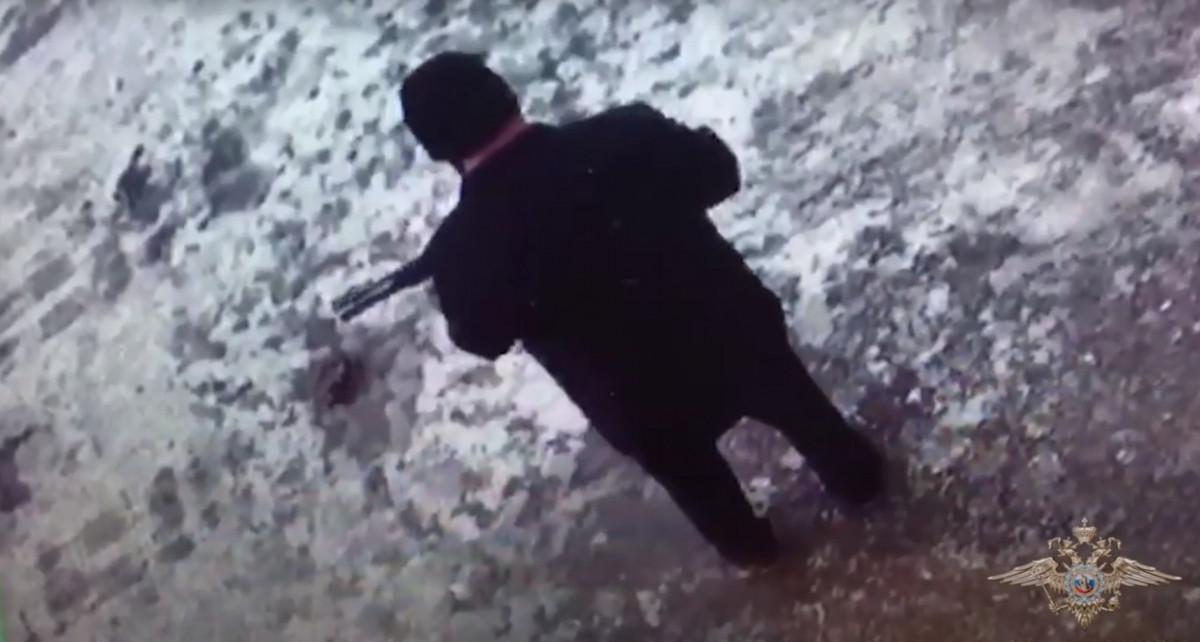 В Кузбассе пенсионер открыл стрельбу из ружья на улице