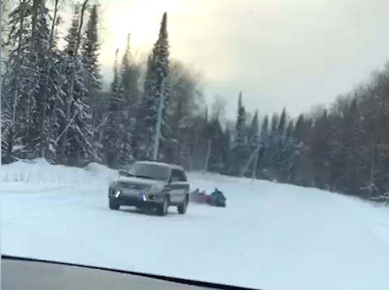 В Кузбассе водитель привлечен к ответственности за опасные забавы
