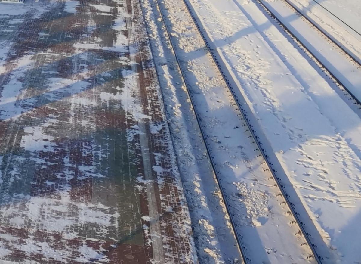 В Прокопьевске молодой парень попал под поезд