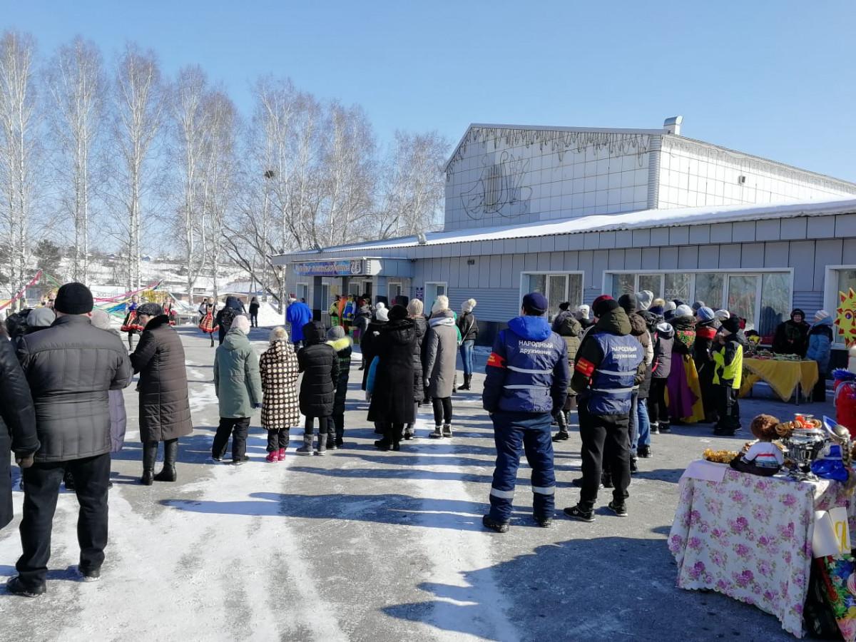 На Масленицу полицейские Прокопьевского района охраняли общественный порядок в 13 населенных пунктах