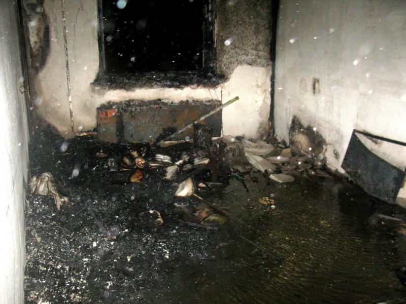 Суд вынес приговор жителю Киселевска, который из ревности спалил квартиру и машину