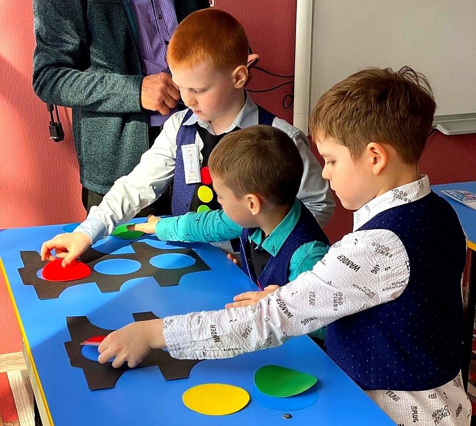 В Прокопьевске прошли соревнования по ПДД среди дошкольников