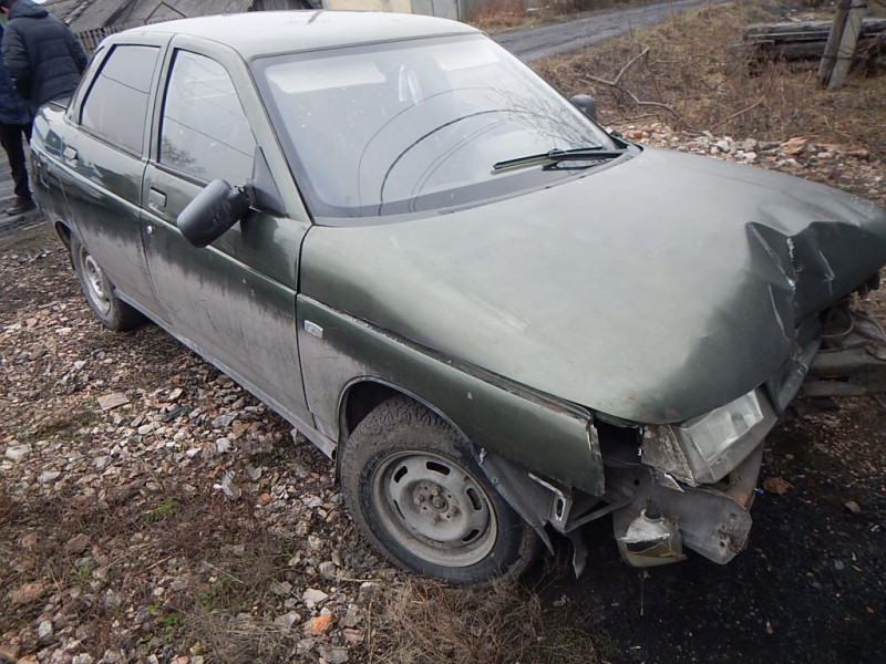В Прокопьевске полицейские по горячим следам задержали злоумышленника, который на краденном авто устроил ДТП