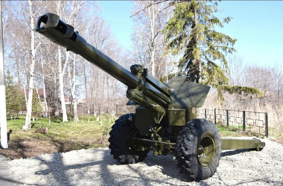 В преддверии Дня Победы в городах Кузбасса установили артиллерийские орудия